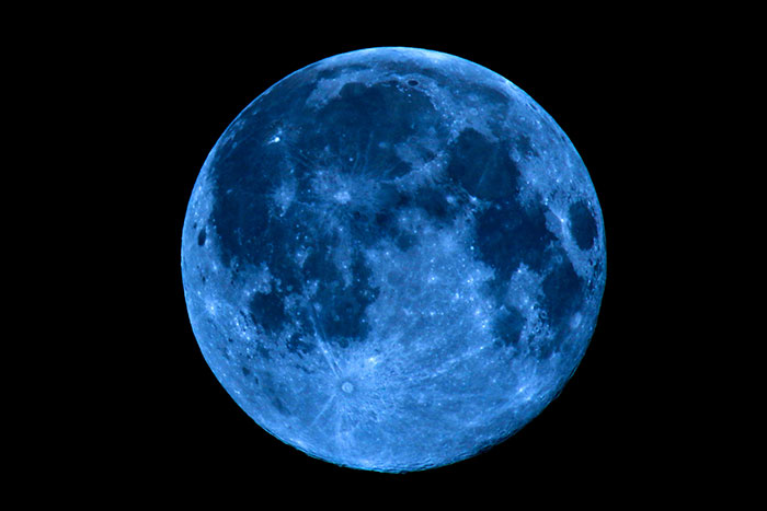 Blue Moon to Appear In All Time Zones during Halloween, First In Almost a Century