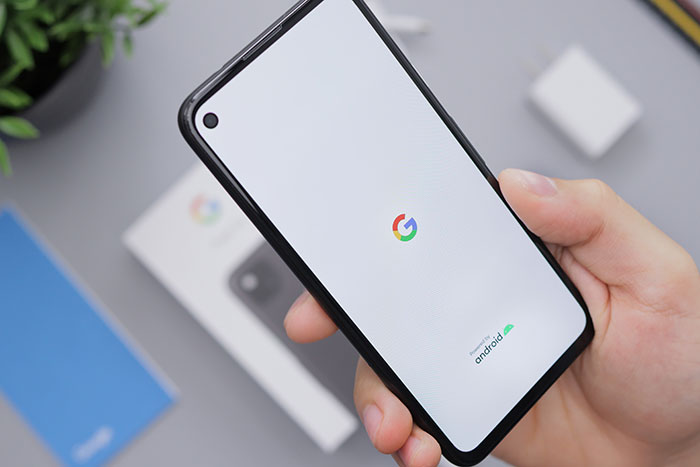 Early Buyers Are Reporting Unexpected Hardware Defect in Google's Pixel 5 Phone