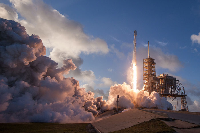 SpaceX launches 60 Starlink Satellites from the Kennedy Space Center