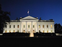 White House Agrees to FDA Guidelines for Approving COVID-19 Vaccines