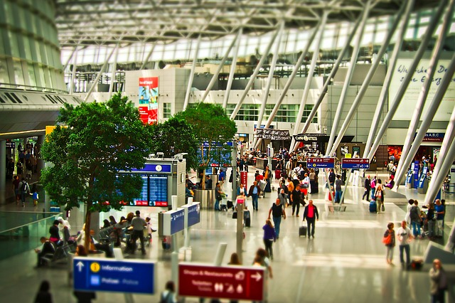 Disorder at Shanghai International Airport after Cargo Handlers Test Positive for COVID-19