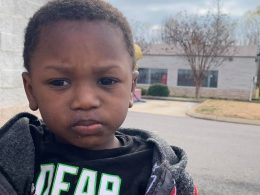 Unidentified Couple Abandons Two-Year-Old Son outside Goodwill with a Written Note