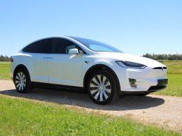 Tesla Delivered 499,550 Cars in 2020, Almost Hitting Elon Musk's 500,000 Target