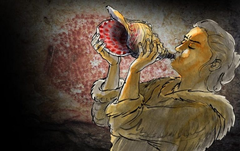 Musician Creates Tune with 18,000-Year-Old Conch Shell Found in French Cave in 1931